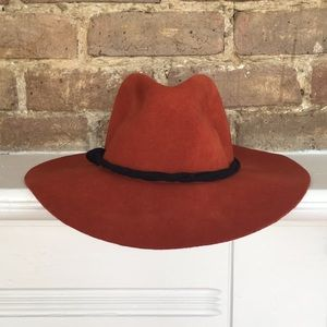American Eagle wool felt hat with leather band